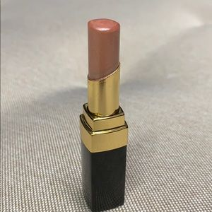 Chanel Rouge Coco Shine lipstick in Canotier
